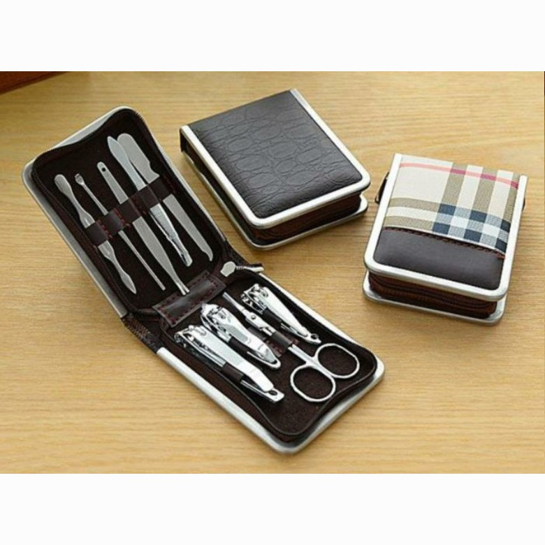Manicure set with zip pouch [9 in 1]