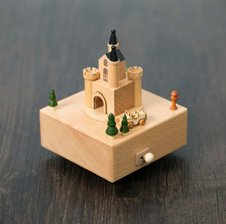 European Castle and Car Wooden Music Box Fashion Decoration for