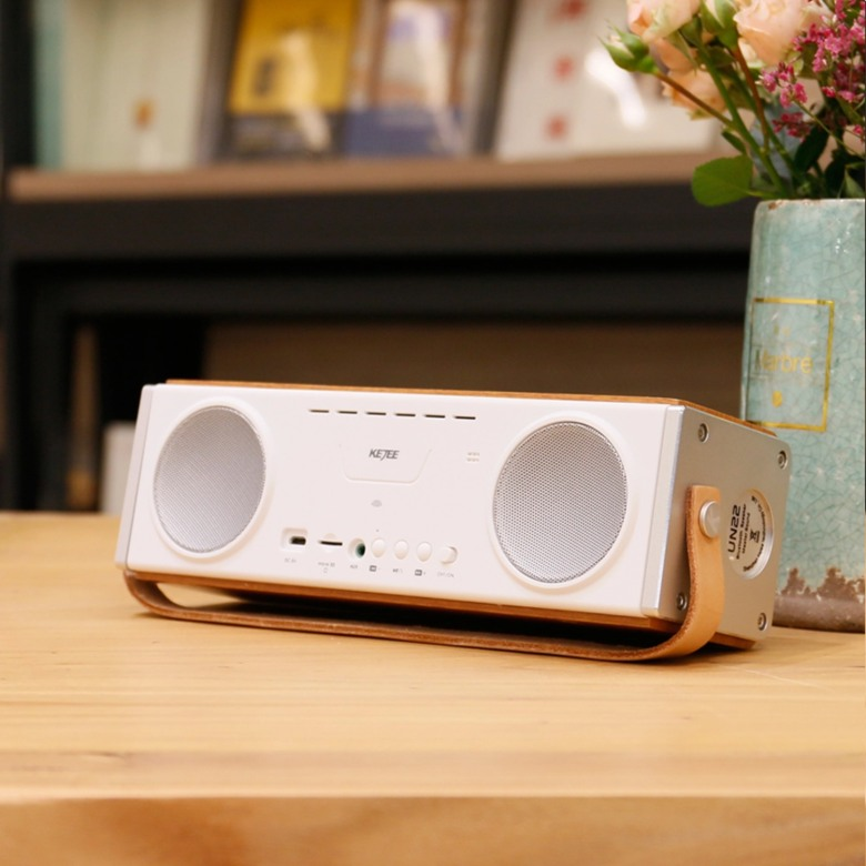 High Quality Wooden Bluetooth Speaker with Leather Strap